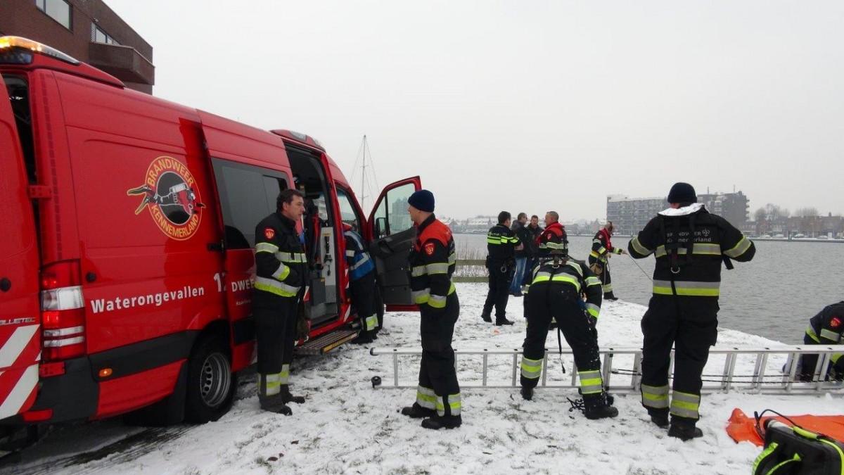 da5226324155c0 Busje klem gereden onder woning in Haarlem   BrandweerHaarlemOost.nl