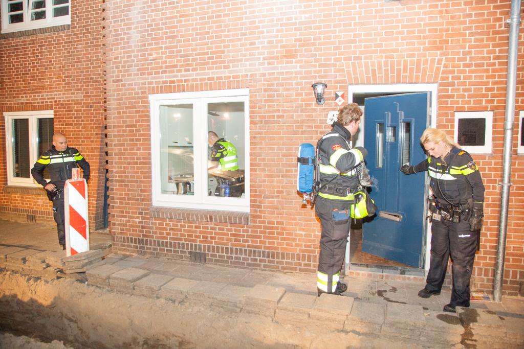 7f83249ad1140a Haarlem – Een passant heeft vannacht een brandje ontdekt in een woning aan  de Merovingenstraat in Haarlem. Rond 02:30 zag de voorbijganger kleine  vlammen en ...