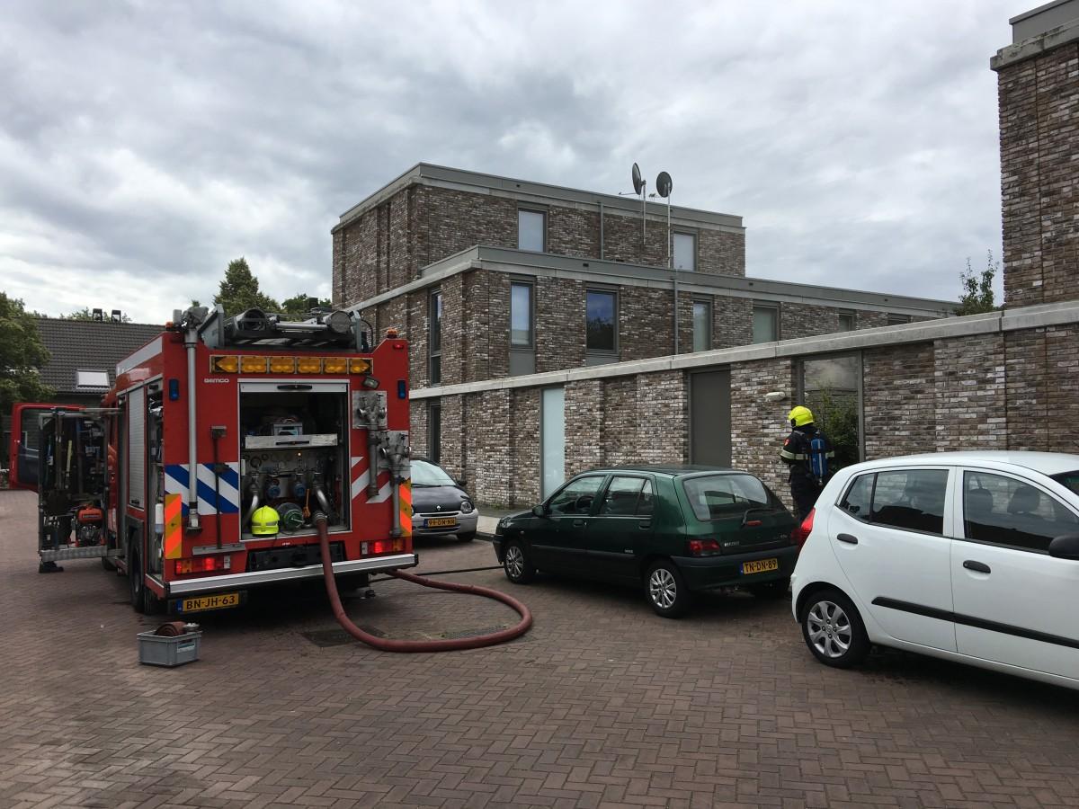 Brand in schuur bij woning Warschaustraat in Haarlem Schalkwijk
