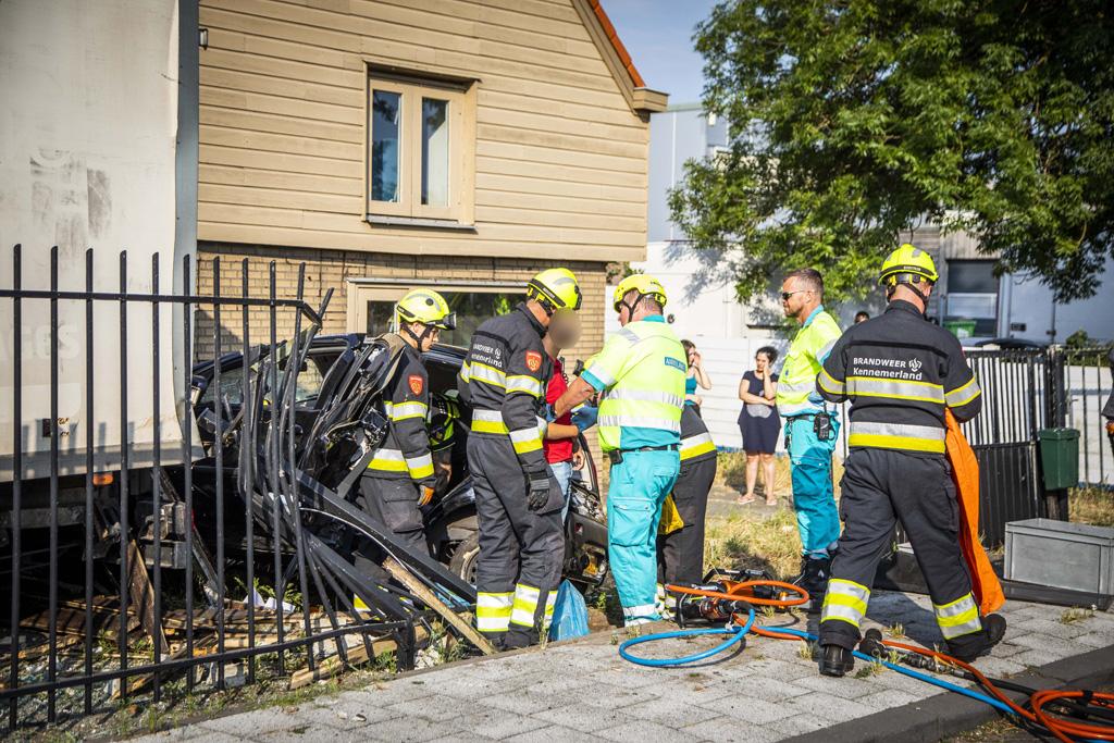 Eenzijdig ongeval personenauto Schipholweg Boesingheliede