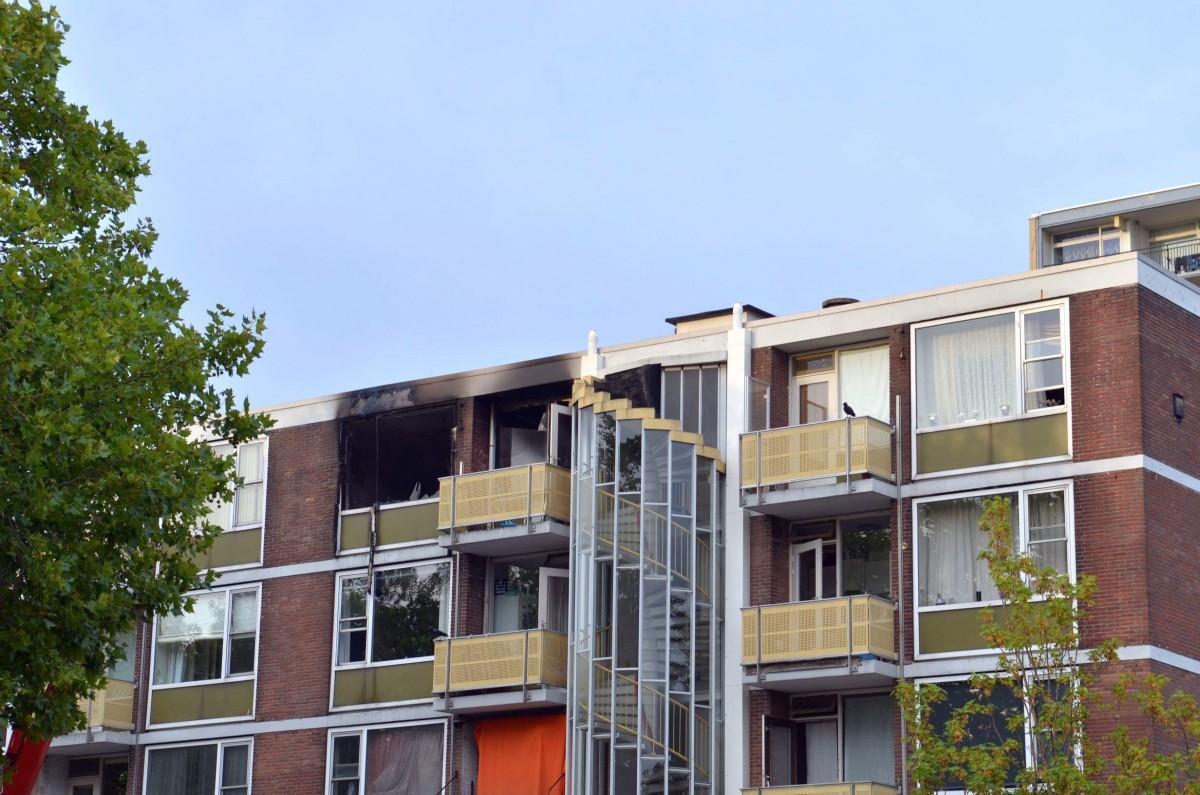 Uitslaande flat brand Louis Pasteurstraat Haarlem Schalkwijk