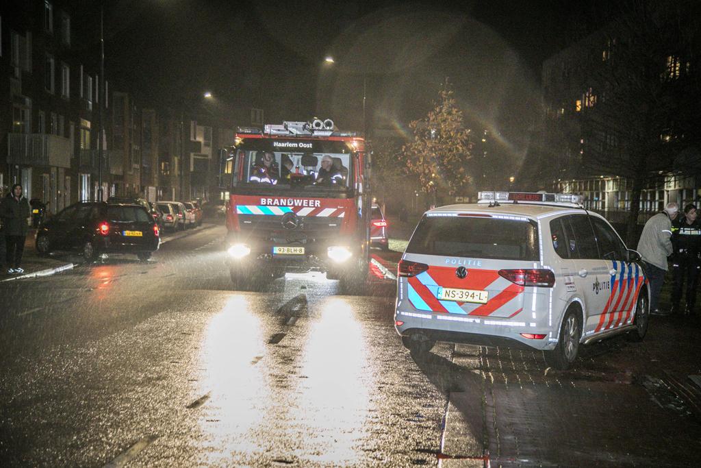 Personenauto te water Leonardo da Vinciplein Haarlem