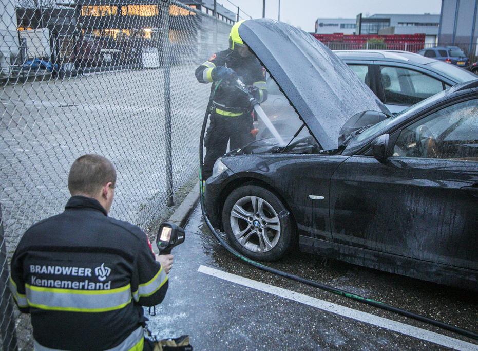 Brandstichting personenauto Emrikweg Haarlem