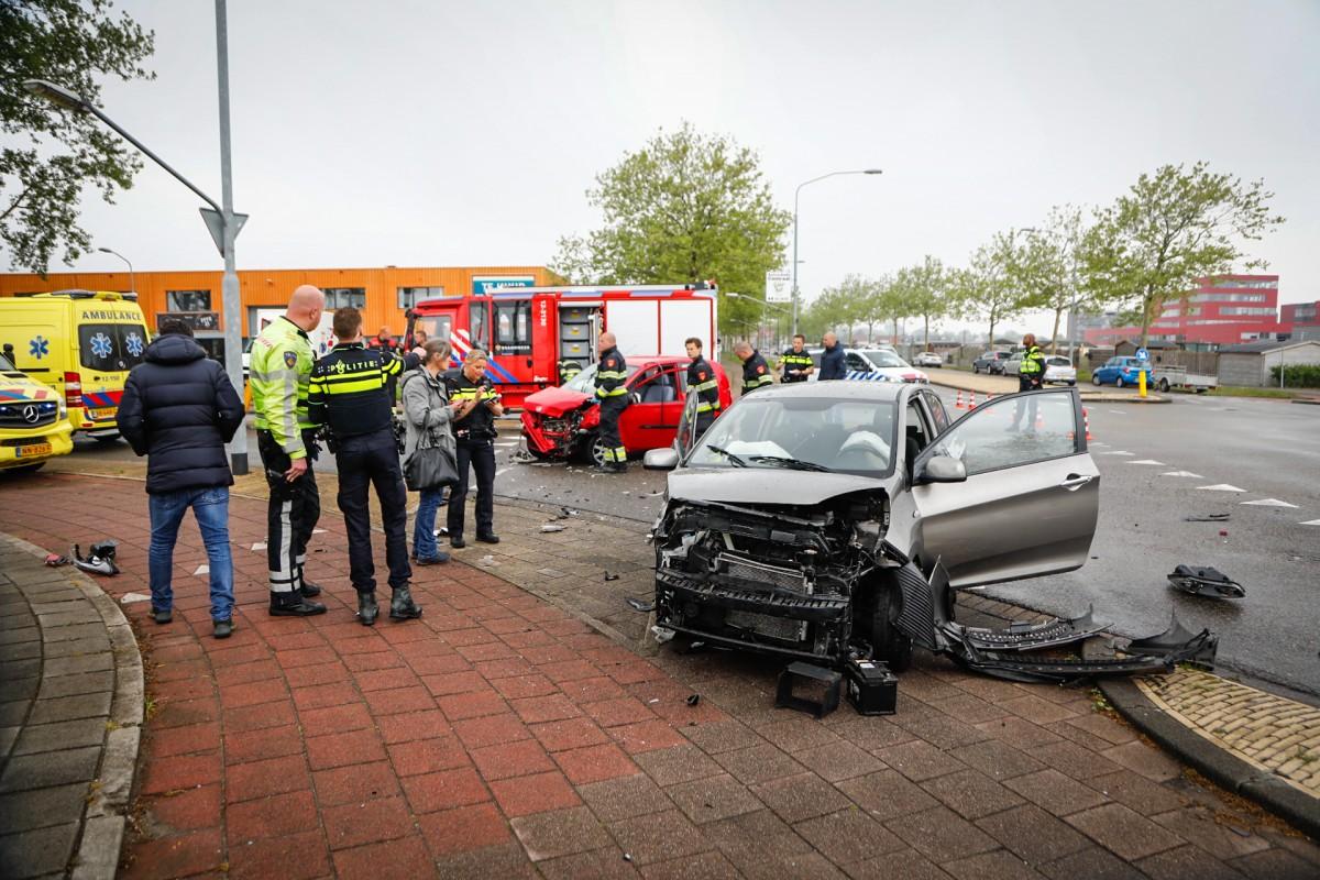 Verkeersongeval op de Industrieweg in de Waarderpolder Haarlem