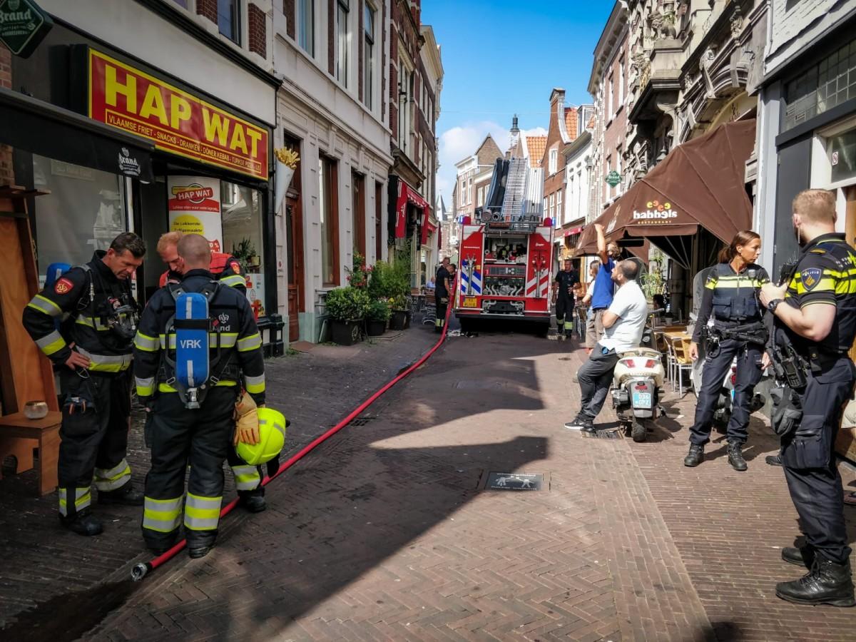 Brand bij snackbar Lange Veerstraat Haarlem