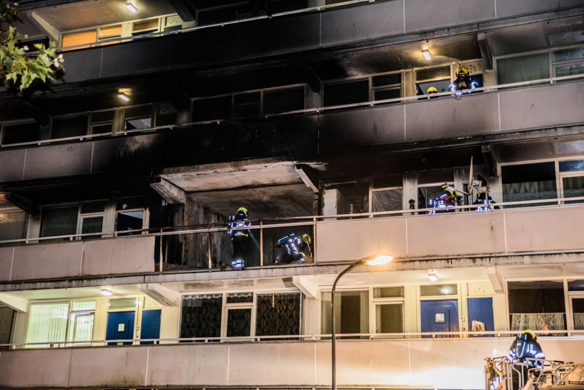 Persoon overleden na grote woningbrand Rudolf Steinerstraat Haarlem Schalkwijk