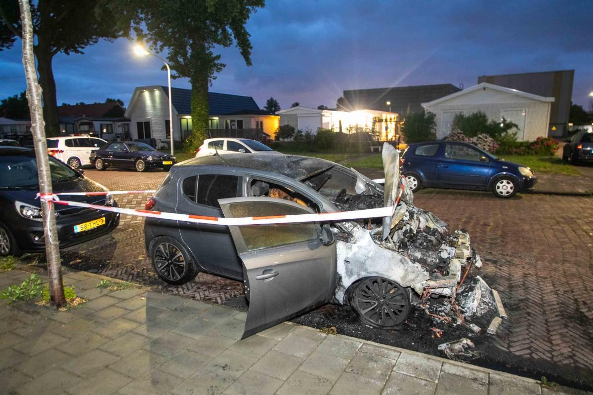Auto in Slachthuisbuurt Haarlem uitgebrand