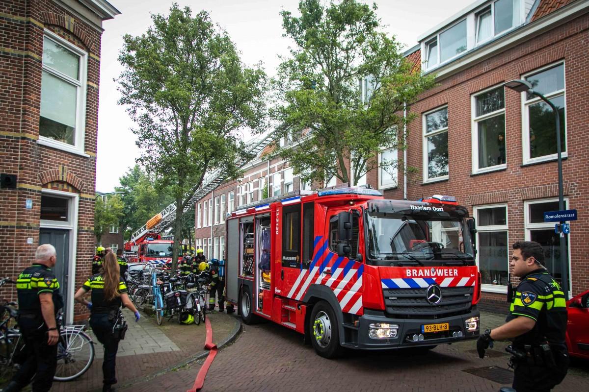 Persoon overleden bij woningbrand Romolenstraat Haarlem